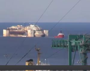 La Costa Concordia a Genova. Segui la diretta