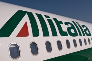 Alitalia, Poste: Governo pasticcio: aerei da salvare, flop quotazione da evitare