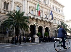 """Banca d'Italia taglia stime del Pil e avverte: """"Rischi dalla guerra in Ucraina"""""""