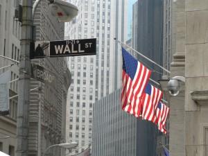Pil Usa + 4% in secondo trimestre, borsa vola poi rallenta. Dilemma Fed su tassi