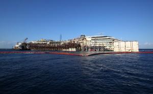 Costa Concordia verso Genova: e i disoccupati bussano ai cantieri per lavorare