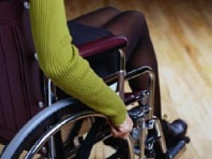 Taranto, palpeggiò giovane disabile di 21 anni: arrestato