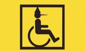 Per l'Inps è disabile sulla sedia a rotelle, ma cammina e guida il treruote