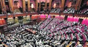 Dipendenti Camera e Senato in rivolta per salvare i superstipendi