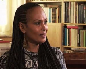 Zeudi Araya, ex attrice raggirata da tre acquirenti del suo terreno