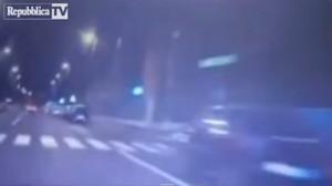 Milano, filmano inseguimento col cellulare: 2 agenti puniti dalla questura
