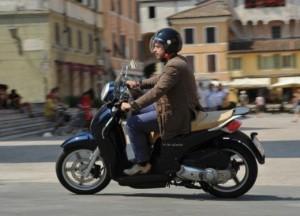 Scooter e moto 125 anche in tangenziale e autostrada: così cambia codice strada