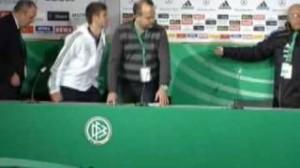 """Mondiali, quando Maradona disse a Muller: """"Non mi siedo vicino a raccattapalle"""""""