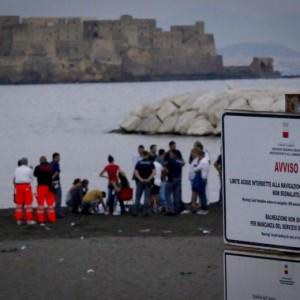 Napoli, Ivan Iazzetta annega a 12 anni mentre fa il bagno sul lungomare