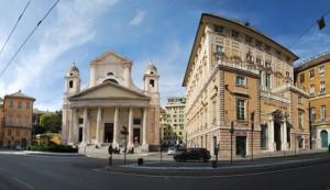Genova, calci e schiaffi in piazza della Nunziata all'amante del marito