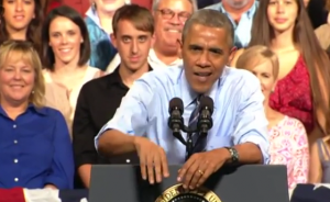 Obama parla di immigrazione, cittadino lo interrompe