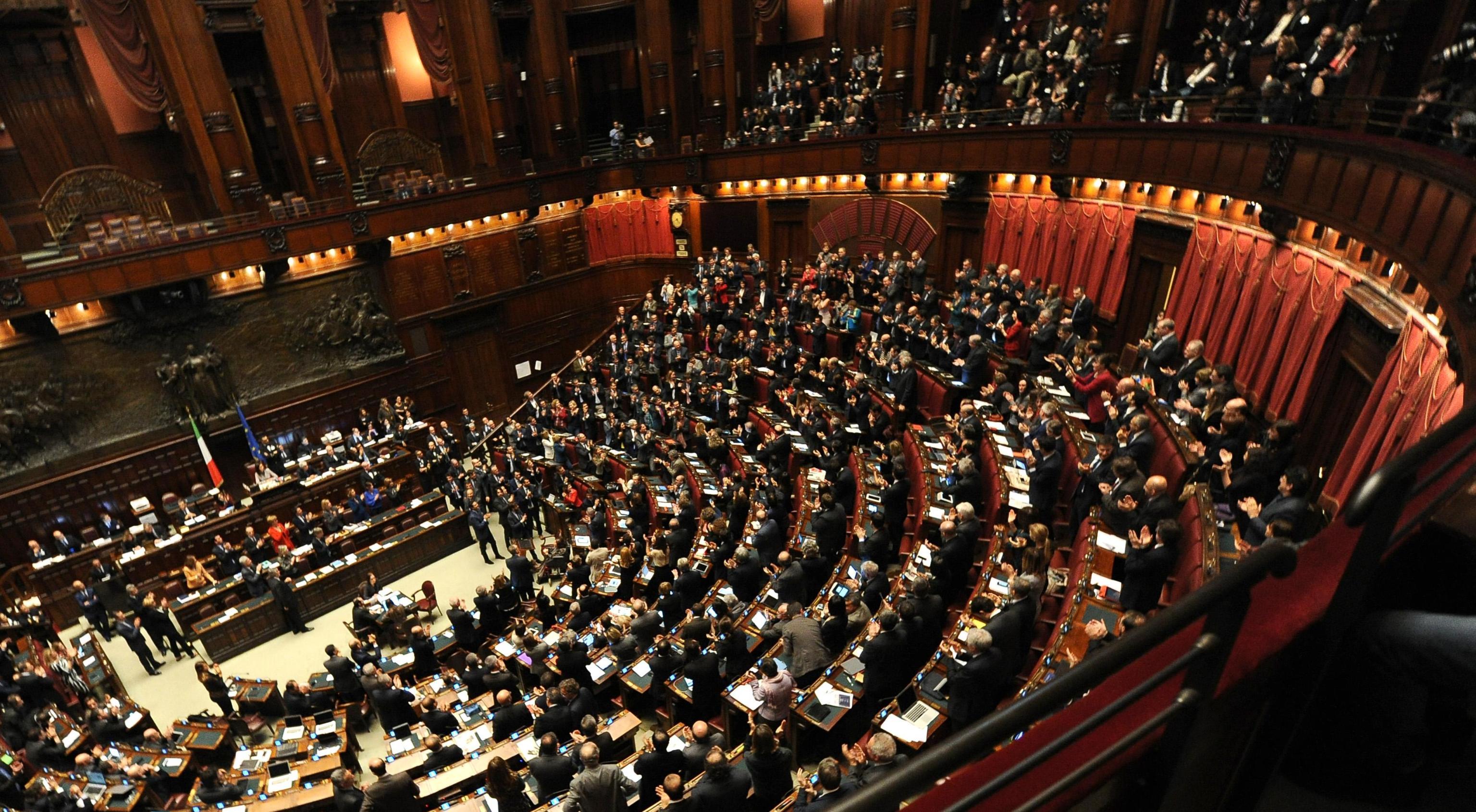 Camera 32 milioni ai gruppi parlamentari bilanci di pd for Gruppi parlamentari