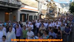"""Oppido Mamertina, dopo """"l'inchino"""" al boss il vescovo sospende le processioni"""
