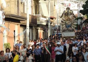 Processione con inchino sotto casa del boss: altro caso in Calabria