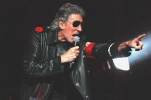 """Gaza. Roger Waters (Pink Floyd) a Neil Young: """"Non suonare a Tel Aviv"""""""