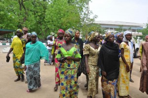 Nigeria, 63 ragazze rapite da Boko Haram fuggono da miliziani e tornano a casa