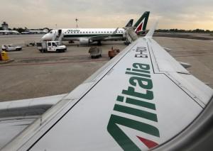 """Alitalia, Uil: """"Accordo nullo, Cgil e Cisl sono sotto il 50%+1"""""""