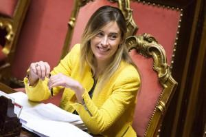 """Selvaggia Lucarelli: """"Cara Maria Elena Boschi, cerchi marito? Ti sposo io"""""""