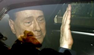 """I dubbi di Berlusconi: """"Renzi ora sbaglia. Andrà presto a sbattere"""""""
