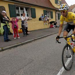 Tour, Vincenzo Nibali quarto nella crono, in trionfo a Parigi