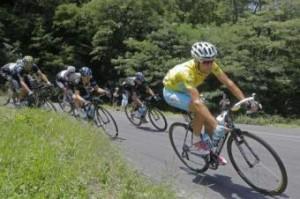 Vincenzo Nibali al Tour: combatte e vince anche la diffidenza