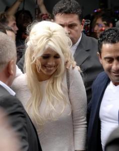 """Wanda Nara incinta di Mauro Icardi"", dice il papà di lei ma la coppia smentisce"