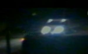 Un frame del video che ha ripreso un furgone davanti casa dei Gambirasio la sera del delitto
