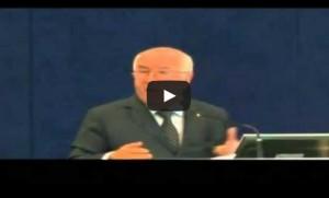 """Carlo Tavecchio, la Fifa scrive alla Figc: """"Indagare sulle sue parole"""" VIDEO"""