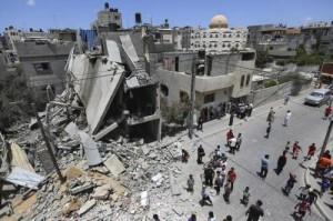 Raid a Gaza, 180 morti. Egitto propone una tregua