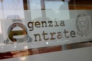 Fisco scrive a 75mila italiani: Caro contribuente, lei ha speso troppo...