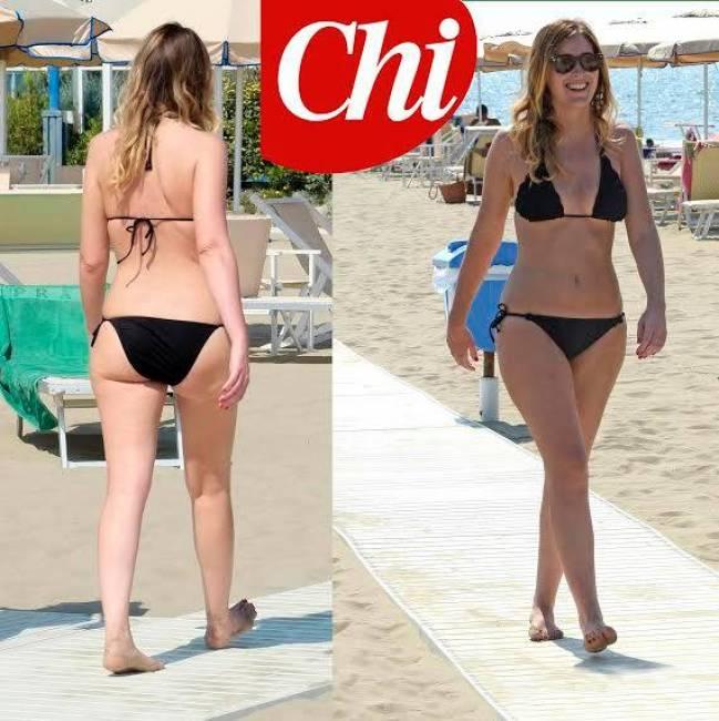 Maria Elena Boschi, bikini nero castigato in spiaggia: foto