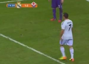 Finto Cristiano Ronaldo in campo durante Real-Fiorentina (VIDEO)