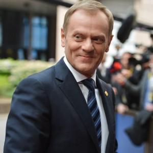 """Tusk nuovo presidente Ue, ma inciampa sulle lingue: """"Prometto, le studierò"""""""