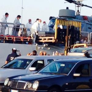 Immigrazione, 3 naufragi in 48 ore: 4mila salvati, circa 300 i morti