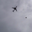 Sospetto pacco bomba su aereo Qatar: atterra a Manchester scortato da jet Raf