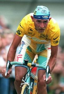 """""""Marco Pantani consumava 100 grammi di cocaina alla settimana"""": gli inquirenti"""