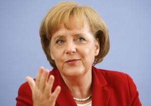 Germania, la locomotiva arretra: Pil giù, non accadeva dal 2012. Francia ferma