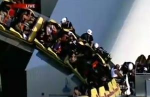 Montagne russe bloccate: paura per 24 persone. Spettacolare salvataggio VIDEO