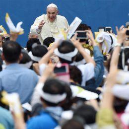 "Papa Francesco. Fiscal Compact, soccorso a Renzi: ""Modelli economici disumani"""