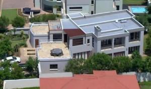 Oscar Pistorius vende villa in cui uccise Reeva Steenkamp. Con lo sconto