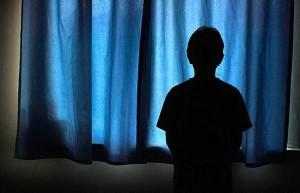 """Trecento stupri nelle scuole britanniche in 3 anni: """"Troppo porno su internet"""""""