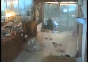 Arenzano (Genova), il video della tromba d'aria in uno stabilimento