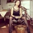 Barbara D'Urso pela le patate in autoreggenti e sottoveste di pizzo: foto Instagram