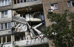 Ucraina, forze Kiev bombardano a est: decine di morti tra i civili