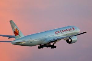 Film porno in volo, piloti Air Canada rischiano licenziamento