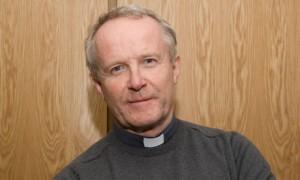 Kieran Conrey, vescovo cattolico con due amanti. Scandalo e dimissioni