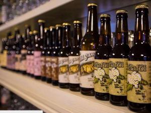 Bergamo: collezione in casa 12mila bottiglie di birra, è record