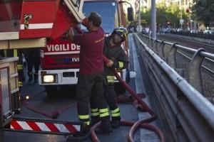 Napoli, incendiato appartamento in centro. Poi l'esplosione