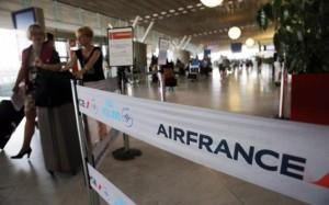 Piloti Air France in lotta di classe con le posate d'argento. Poi dice un Reagan