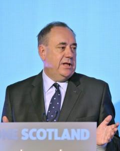 """Scozia, no indipendenza. Salmond si dimette e attacca Cameron: """"Bugiardo"""""""